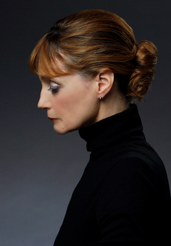 Suzanne Farrell portrait by Paul Kolnik.jpg